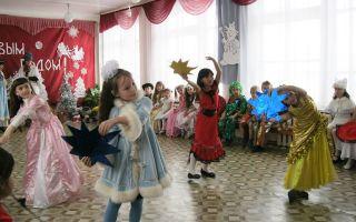 Физкультурное развлечение по сказкам в младшей группе детского сада